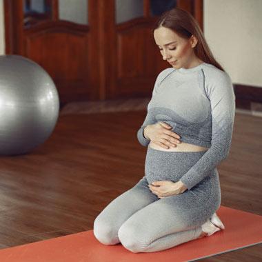 درمان افسردگی بارداری با یوگا بارداری