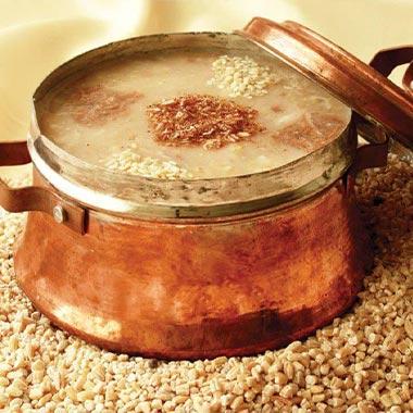 طرز تهیه حلیم شیر اصفهانی برای افطار