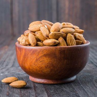 خواص بادام - با ۱۲ فایده شگفتانگیز بادام برای سلامتی آشنا شوید