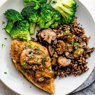 طرز تهیه خوراک مرغ و قارچ خوشمزه و رژیمی