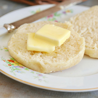 طرز تهیه مافین انگلیسی؛ یک نان خانگی بدون فر