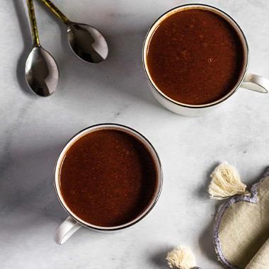 طرز تهیه هات چاکلت غلیظ با شکلات تخته ای