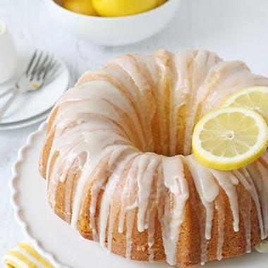 طرز تهیه کیک لیمویی با گلیز لیمو