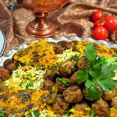 طرز تهیه کلم پلو شیرازی با کلم قمری و گوشت قلقلی