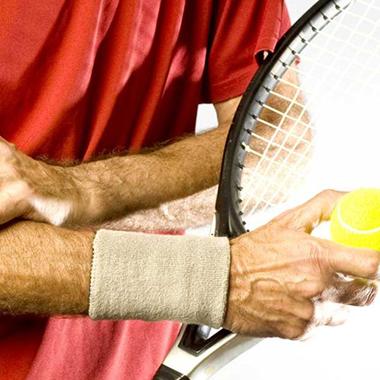 درد مشترک ورزشکاران ورزشهای راکتی با نجاران و لولهکشها