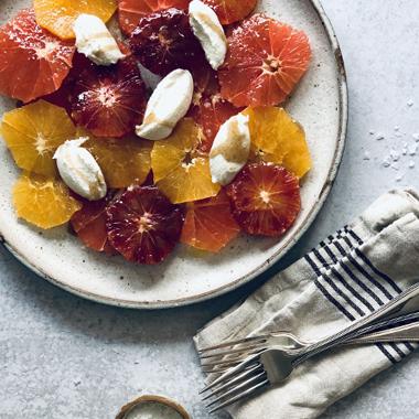 سالاد گریپ فروت، پرتقال و زردآلو