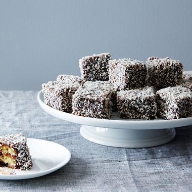 چگونه برای 24 نفر کیک بپزیم؟