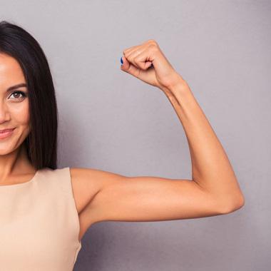 لاغر کردن بازو - ۹ روش برای کاهش و از بین بردن چربی بازو