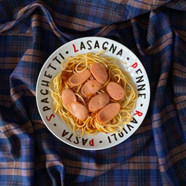 طرز تهیه ماکارونی با سوسیس و سس گوجه فرنگی