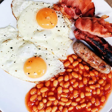 طرز تهیه صبحانه انگلیسی با نان برگر