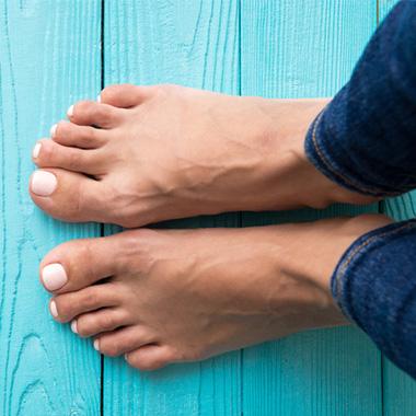 روش هایی آسان برای درمان داغی کف پا در خانه