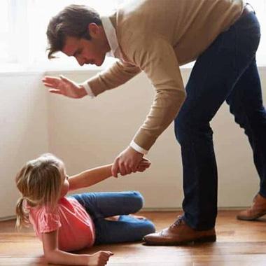 با شناخت مصادیق کودک آزاری از فرزندتان محافظت کنید