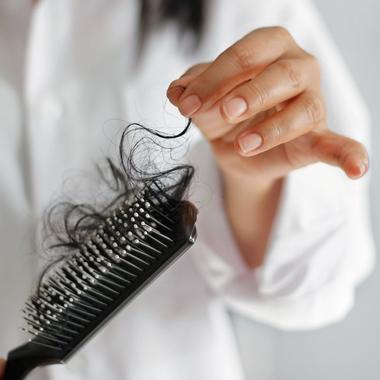 چه داروهایی باعث ریزش مو میشوند