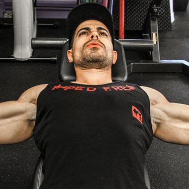 ۱۲ حرکت برای تقویت عضلات سینه + تصاویر