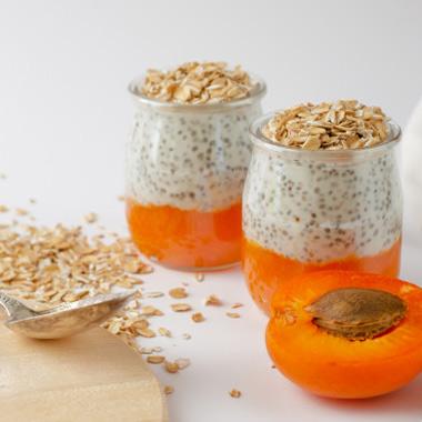 طرز تهیه صبحانه رژیمی چیا و زردآلو