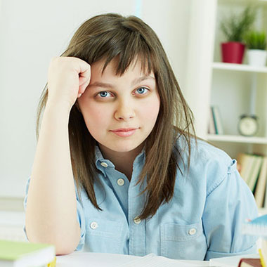 تیرگی دور چشم - علل و درمان سیاهی زیر چشم