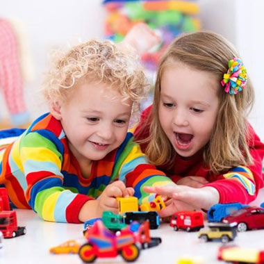 ۷ بازی کودکانه که در خانه میتوان انجام داد