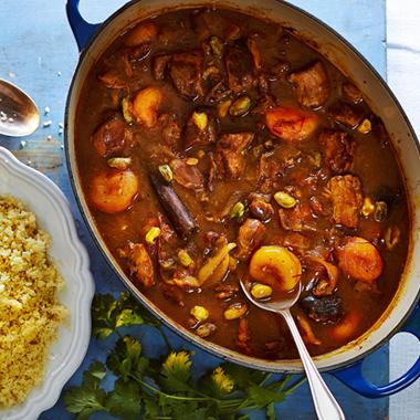 خوراک گوشت بره با برنج زعفرانی