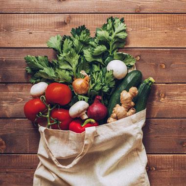 مصرف سبزیجات خام - کدام سبزیجات را نباید خام مصرف کرد؟
