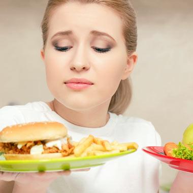 باید و نبایدهای رژیم غذایی عادت ماهیانه + لیست غذاها