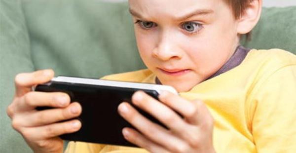 تلفن همراه مانع یادگیری کودکان