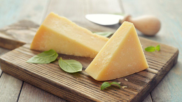 خوردن پنیر در دوران بارداری