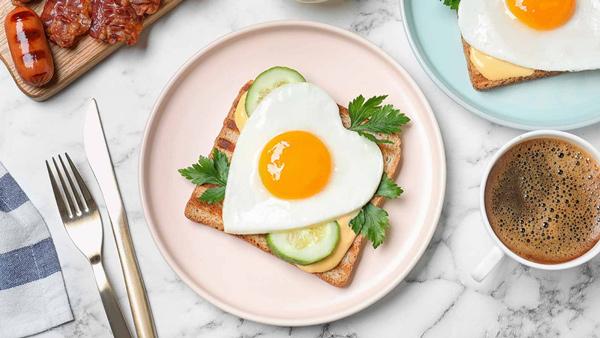 برای صبحانه تخم مرغ بخورید