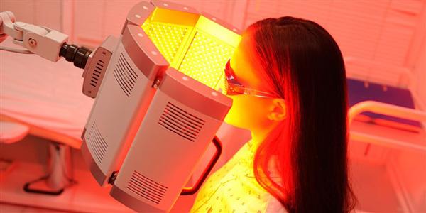 عوارض نور درمانی