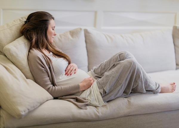 علائم بارداری در ماه اول