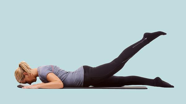 صاف بالا آوردن پاها در حالت خوابیده روی شکم