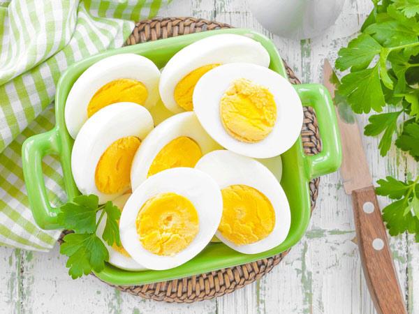 زرده و سفیده تخم مرغ برای رژیم چاقی