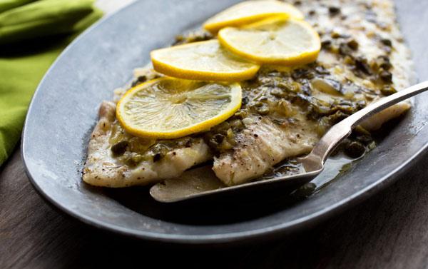 روش پخت حلوا ماهی پخته شده با لیمو