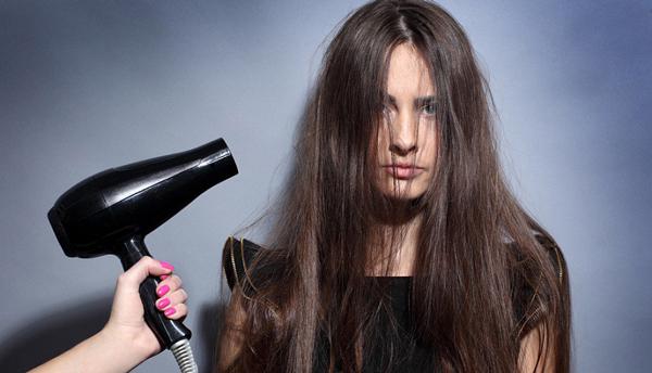 کارهایی که موها را آسیبپذیر میکند