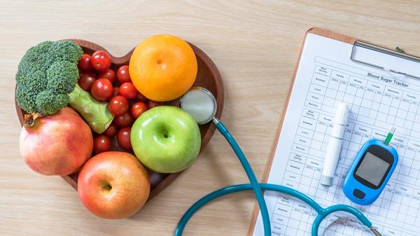چک آپ منظم و معاینات پزشکی تحت نظر پزشک
