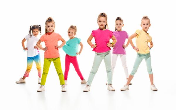 رقص و بازی های ورزشی کودکان