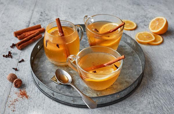 نوشیدنی گرم با عسل و دارچین