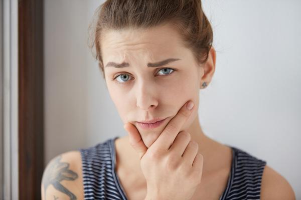 پرمویی در زنان نشانه چیست؟