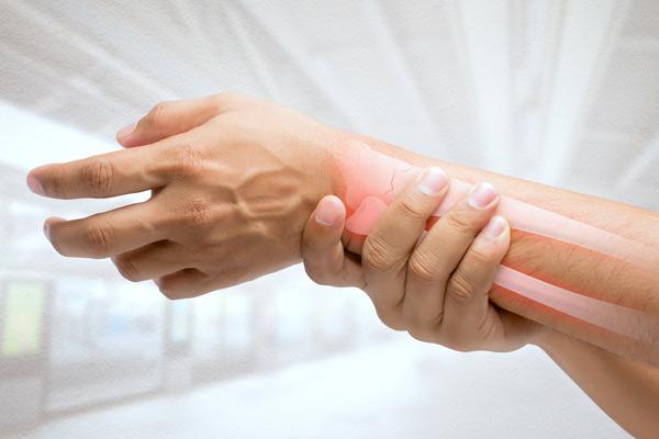 درد مفاصل دست در کم کاری تیروئید