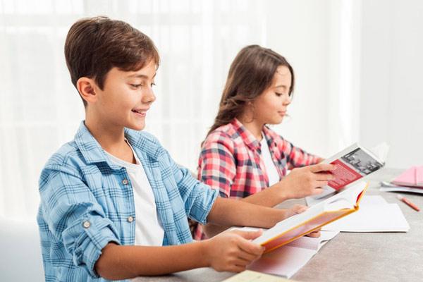 درس خواندن کودک در خانه