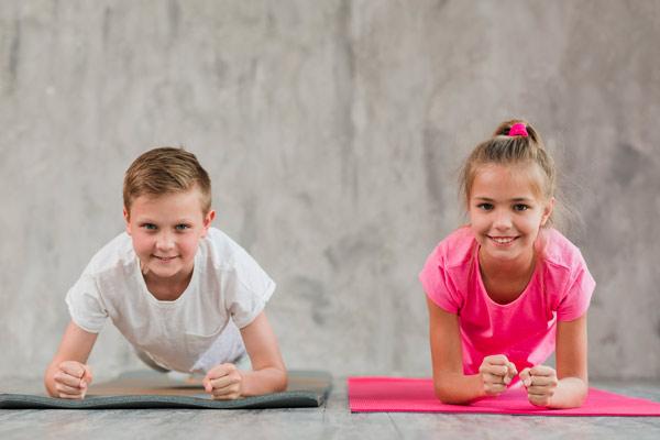بهترین حرکات ورزشی برای کودکان در خانه
