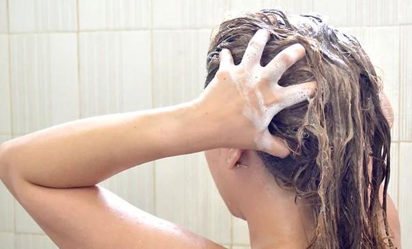 شستشوی مو با روغن بادام