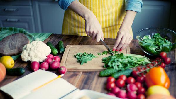 درمان کم خونی با تغذیه مناسب