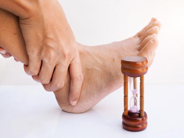 دلایل ایجاد بیماری نقرس پا