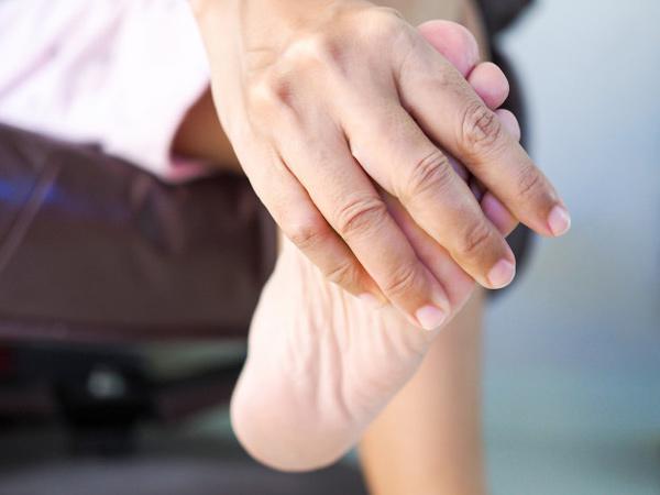 درمان بیماری نقرس پا
