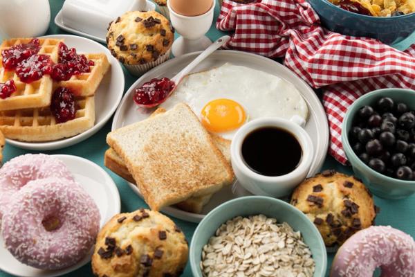 صبحانه خوردن با انتخاب مواد سالم و مقوی
