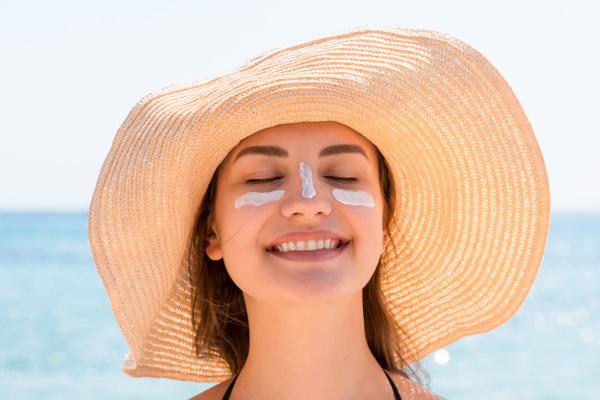 استفاده از ضد آفتاب برای جلوگیری از سرطان پوست