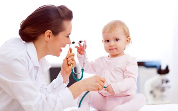 برای پایین آوردن تب کودک باید چه کرد