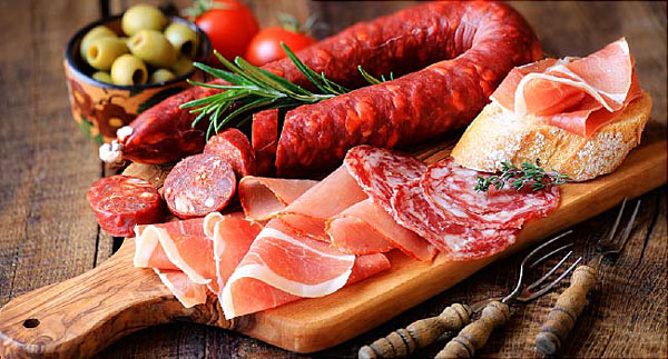 گوشت فراوری شده دارای سدیم و نمک
