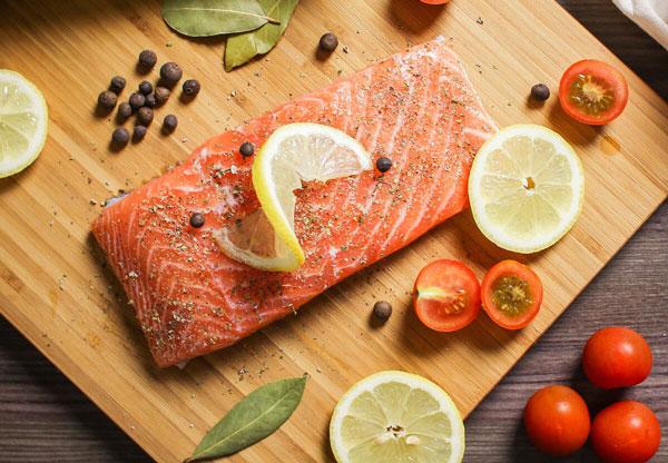 ماهی چرب سرشار از امگا۳ مفید برای پوست