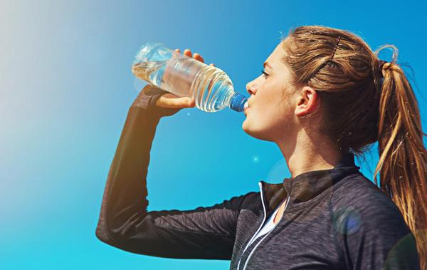 نوشیدن آب در پاکسازی روده